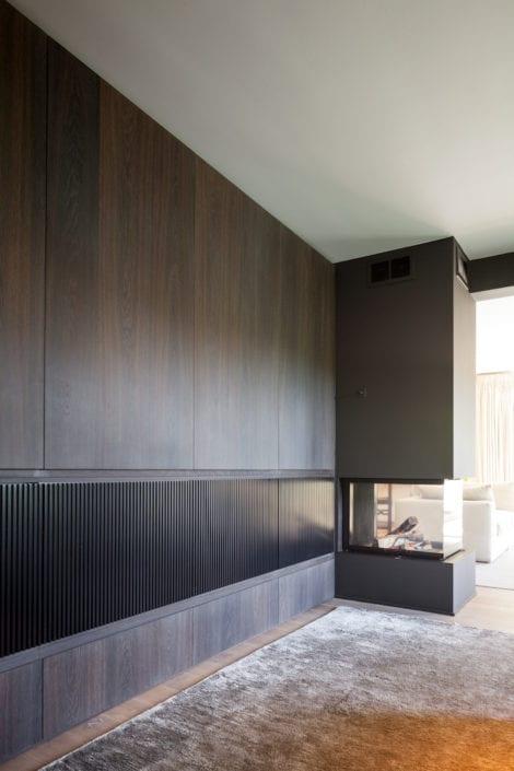 Verborgen tv en office in maatwerk muur