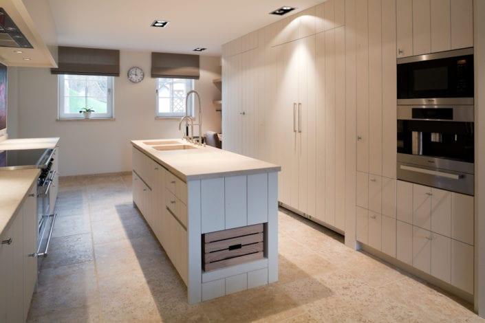 Maatwerk-schrijnwerk contemporary kitchen