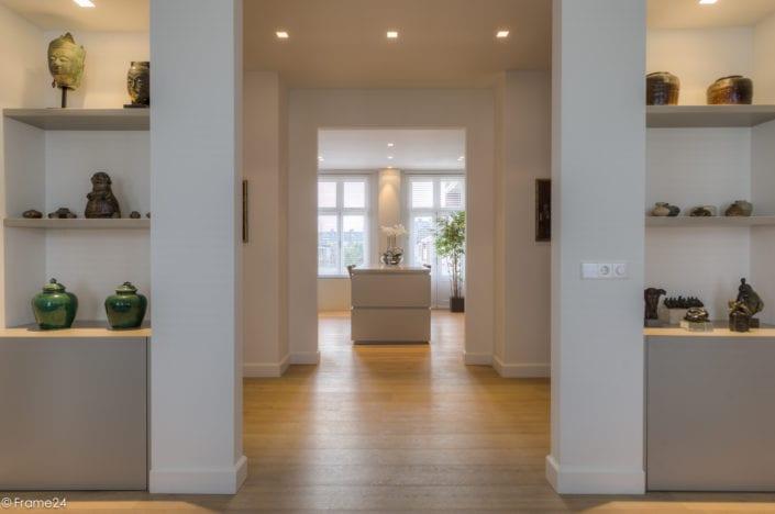 Symmetrische doorkijk van het appartement - doorzon